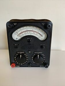 Vintage Universal Avo Meter - Model 8.v4  Build Date Jan 1970