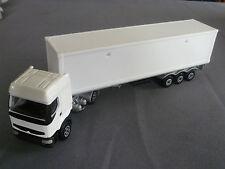 camion semi-remorque RENAULT PREMIUM blanc  MAJORETTE  ech 1/60