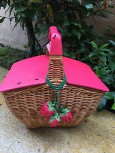 Absolutely Darling! KATE SPADE PICNIC PERFECT STRAWBERRY WICKER BASKET BAG, NWT