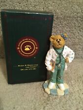 The Bearstone Collections Boyd's Bears Figurine Nurse Doesitall
