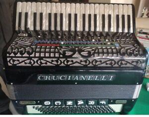 Fisarmonica Crucianelli 120 bassi con midi e microfoni