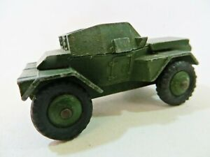 DINKY 673 'DAIMLER SCOUT CAR'. ARMY/MILITARY. VINTAGE. WITH DRIVER. COMPLETE.