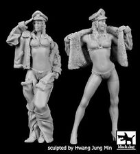 Black Dog 1/32 US Pin-up Girls Set w/Air Force Caps & Fur-lined Clothing F32027