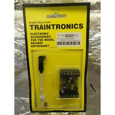 ** Traintronics TT113 3 Aspect Signal, Red/Yellow/Green, with Feather, OO Scale