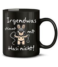 Irgendwas stimmt mit Hasi nicht! SM Spruch Becher Tasse Hase Ostern Geschenk