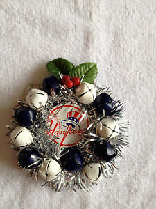 NY NEW YORK YANKEES SILVER WREATH BELL CHRISTMAS TREE ORNAMENT MAN CAVE GIFT