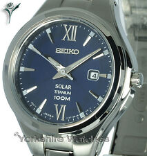 Señoras SEIKO SOLAR de titanio pulsera de titanio con cara azul SUT273P1