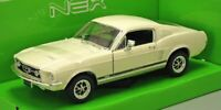 Ford Mustang GT 1967 - Cream  1/24 Welly Model Car