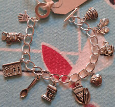 Hand Made GREAT BRITISH BAKE OFF inspired Silver link charm bracelet cup cake
