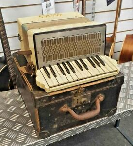 Vintage 12 Bass Piano Accordion - basically working but needs TLC