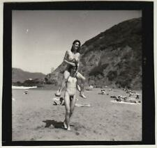 Original vintage 1970s Akt, Mann und Frau am Strand, Kontaktabzug, contact print