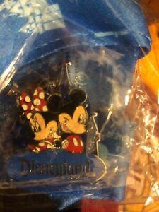 Disney lanyard Mickey & Minnie Castle Walt Travel Company Pin new