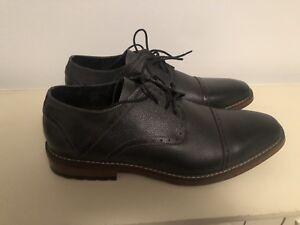 Clarks Mens Leather Upper Grey Dress Shoe Size 11.5 US