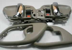 Gray PAIR Door Chrome Handles & Bezels 95-98 SILVERADO SIERRA C1500 K1500 k2500