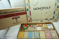 VINTAGE MONOPOLY GAME  1935-1946 BOARD PLAYING PIECES MONEY BOX REAL ESTATE d