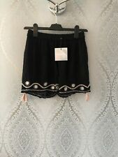MISSGUIDED LADIES SHORTS (BNWT) SIZE 8 BLACK