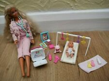 Nuova carriera Barbie Baby Dottore Bambola PLAYSET BAMBINE GIOCATTOLO DIVERTENTE CON BAMBOLE BABY