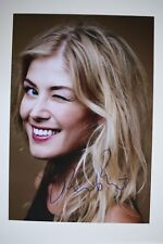 Rosamund Pike signed 20x30cm Foto Autogramm / Autograph In Person 5