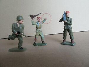 704L Toy Old Starlux 3 Soldiers Plastic H 5,6 CM Beret Red