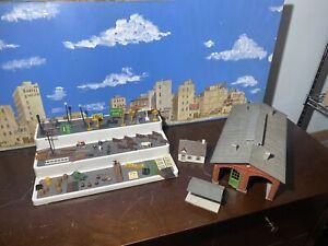 POLA Model Train Building Warehouse-Made in Germany + 76 Item Scene / Parts Lot