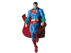 Medicom MAFEX No. 117 Superman (Hush version)