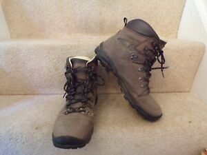 Mountain Warehouse Extreme Brown Leather Hiking Boots Vibram Sole UK 9 WORN LIGH