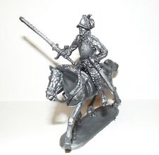 Plastic toy soldiers. Mounted Spanish conquistador. 1/32 scale. Silver color.