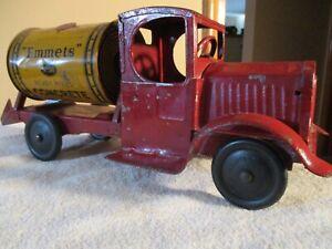 Emmets cement mixer truck from 1931