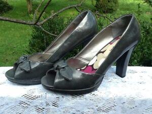 Madden Girl Women's Gray Open Toe Heels Size 10