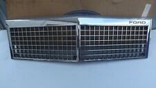 NOS 1979 1980 1981 82 FORD  LTD Crown Victoria Country Squire Grille D0AZ-8200-B