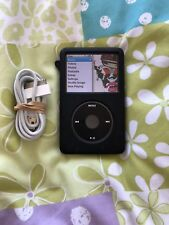 Apple iPod Classic 160GB A1238 7th Generation + USB Cable Bundle