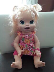 Hasbro Baby Alive Snackin Sara 2014 Blonde Green Eyes Works Talks Spanish Eng