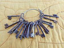 Lot de 23 anciennes clés de porte-old keys vintage