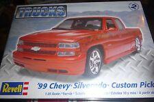 REVELL 1999 CHEVY SILVERADO CUSTOM PICKUP TRUCK 1/25 MODEL CAR MOUNTAIN KIT FS