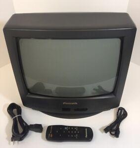 Panasonic Color Retro Gaming TV 13 in CT-13R17B w/ Remote Control / Antenna Cord