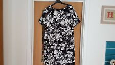 PEACOCKS SIZE 18 SHORT SLEEVE TUNIC DRESS BLK WHT GRY FLORAL POLYESTER NWOT