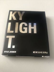 Kylie Cosmetics  Pressed Illuminating Powder Ice Me Out NEW IN BOX