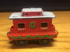 (A1) Thomas the train [SODOR Christmas CABOOSE 2002 TAKENPLAY?] Metal Magnetic