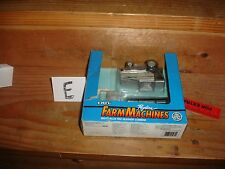1/64 allis chalmers  r 60 with box