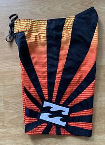 Red & Orange Billabong Hawaiian Rising Sun Surf Board Shorts Andy Irons Wax Comb