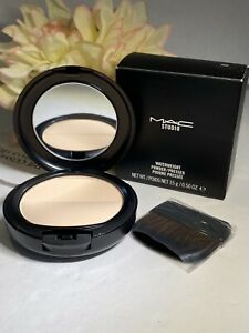 Mac Studio Waterweight Powder / Pressed EXTRA LIGHT - Full Size 15 g / 0.5 Oz.