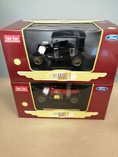 2 x Sun Star 1:24 - 1925 Ford Model T - Fire Chief + Closed Convertible Diecast