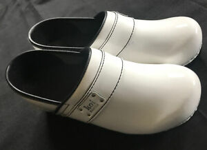 KOI BY SANITA White Patent Leather Clogs WOMENS Size 39 (US 8 ) NEW