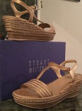 Stuart Weizmann  Women Gold Leather Wedge Sandals Shoes Size 7,5 Made in Spain