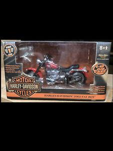 2002 Harley Davidson Fatboy Red 1:18 Ertl American Muscle 33169