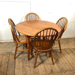 Round Farmhouse Pine Table and 4 Matching Chairs