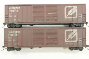HO 2 Roundhouse Western Pacific 50ft Double-SD Rib-Side Box Cars Wthrd KD Dif #s