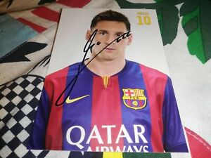 Lionel Messi hand Signed FC Barcelona autograph card very rare