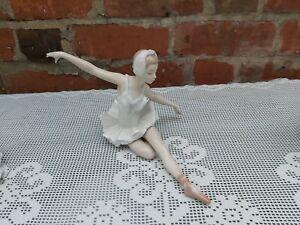 lladro ballerina figurines Graceful Dancer 05920