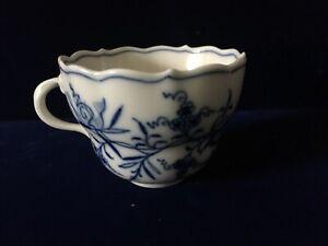 MEISSEN BLUE ONION CUP